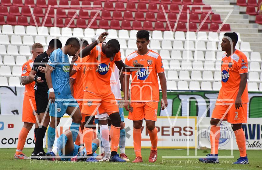 MONTERIA - COLOMBIA, 17-04-2019: Carlos Teran de Envigado reacciona tras un penal a favor de Jaguares durante el partido por la fecha 16 de la Liga Águila I 2019 entre Jaguares de Córdoba F.C. y Envigado F.C. jugado en el estadio Jaraguay de la ciudad de Montería. / Carlos Teran of Envigado reacts after a penal in favor of Jaguares during match for the date 16 as part Aguila League I 2019 between Jaguares de Cordoba F.C. and Envigado F.C. played at Jaraguay stadium in Monteria city. Photo: VizzorImage / Andres Felipe Lopez / Cont