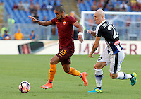Calcio, Serie A: Roma vs Udinese. Roma, stadio Olimpico, 20 agosto 2016.<br /> Roma&rsquo;s Bruno Peres, left, is chased by Udinese&rsquo;s Emil Hallfredsson during the Italian Serie A football match between Roma and Udinese at Rome's Olympic Stadium, 20 August 2016. Roma won 4-0.<br /> UPDATE IMAGES PRESS/Riccardo De Luca