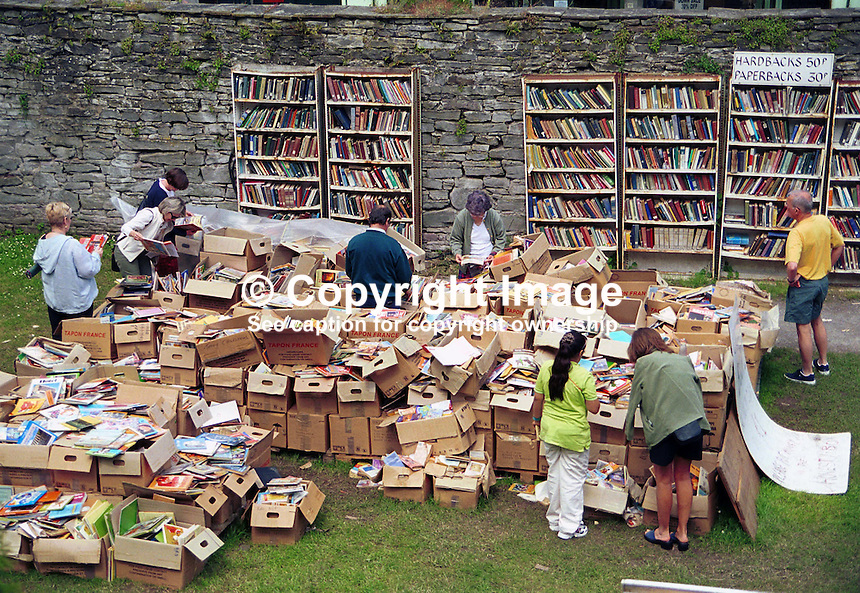 It is not just indoor bookshops (38 at the last count) at Hay on Wye, Wales, UK - here's an outdoor one in the grounds of Hay Castle. Taken during the annual Hay Book Festival. Ref: 200005235.<br />