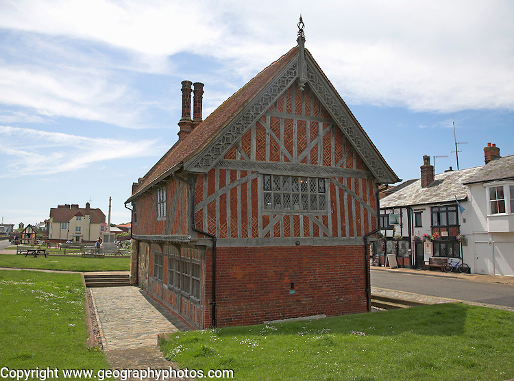 The Moot Hall, Aldeburgh, Suffolk, England. Ancient Tudor guildhall where council meetings are still held.