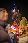 © Joel Goodman - 07973 332324 . 21 November 2013 . Manchester , UK . People , statues and zippy mingle in Albert Square . Candid photos of the Christmas Markets in Manchester City Centre . Photo credit : Joel Goodman
