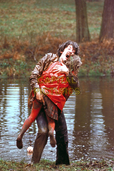 Donald Sutherland, Sharon Williams <br /> in Don't Look Now (1973) <br /> *Filmstill - Editorial Use Only*<br /> CAP/NFS<br /> Image supplied by Capital Pictures