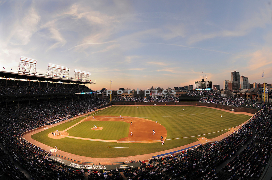 An overall view of Wrigley Field in Chicago, during a game between the Chicago Cubs and the Cincinnati Reds on April 15, 2008. (AP Photo/Chris Bernacchi)