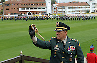 BOGOTA -COLOMBIA. 21-02-2014. El general del Ejercito Juan Pablo Rodriguez toma posesion como nuevo comandante de las Fuerzas Militares de Colombia. Con la presencia del presidente Juan Manuel Santos y el ministro de defensa Juan Carlos Pinzon tomaron posesion de sus nuevos cargos los generales Juan Pablo Rodriguez nuevo comandante de las Fuerzas Militares de Colombia, general Javier Florez nuevo comandante del Estado Mayor Conjunto y el general Jaime Lasprilla comandante del Ejercito Nacional ceremonia celebrada en la Escuela Jose Maria Cordova. / With the presence of President Juan Manuel Santos and Defense Minister Juan Carlos Pinzon took possession of their new positions general Juan Pablo Rodriguez new commander of the Military Forces of Colombia, General Javier Florez new comadante of the Joint Chiefs and General Jaime Lasprilla army commander ceremony at the Jose Maria Cordova School.  Photo: VizzorImage/ Felipe Caicedo / Staff