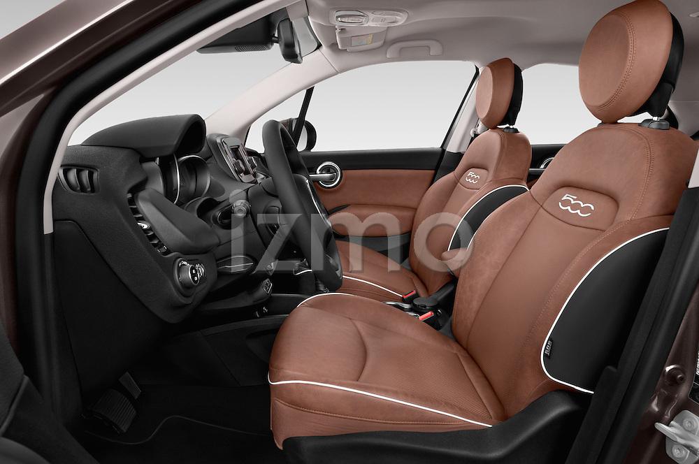 Front seat view of 2016 Fiat 500X Trekking-Plus-4WD 5 Door SUV Front Seat  car photos