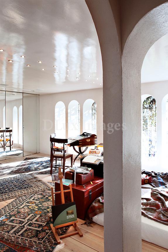 bright white lounge