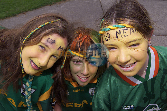Ciara Maguire, Jennifer Callan and Caoilthoinn McNamara from Stamullen NS who are supporting Meath this Sunday..Picture: Paul Mohan/Newsfile