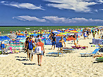 Rowy, 2018.08.04. Letnie kąpielisko Rowy Wschód o długość linii brzegowej 200 m i jednym zejściu na plażę. PAP/Jerzy Ochoński