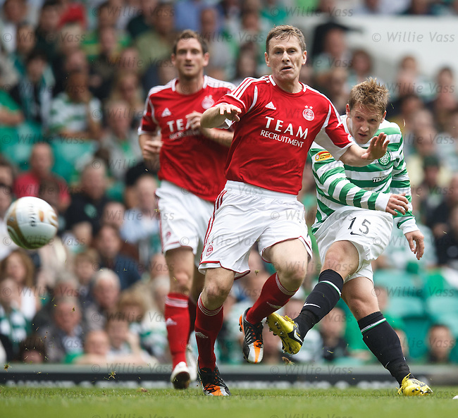 Kris Commons raps in a shot past Gary Naysmith