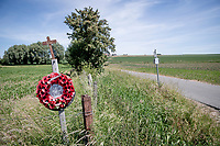 Great War rememberance spots/artefacts/cemeteries/memorials are a (constant) given when riding these roads <br /> cycling hotspots & impressions in Heuvelland<br /> <br /> Cycling In Flanders <br /> Flanders Tourist Board<br /> <br /> ©kramon