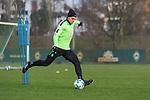 14.01.2018, Trainingsgelaende, Bremen, GER, 1.FBL, Training SV Werder Bremen<br /> <br /> im Bild<br /> Robert Bauer (Werder Bremen #4), <br /> <br /> Foto &copy; nordphoto / Ewert