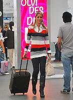 Mexico D.F., 07/03/2013, Paparazzi, La conductora Ines Sainz en el aeropuerto de la Ciudad de Mexico.