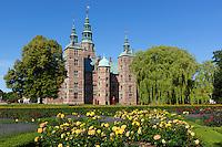 Denmark, Zealand, Copenhagen: Rosenborg Slot (castle) built as Summer House in 1606-1634 for Christian 4th, and Rose Garden | Daenemark, Insel Seeland, Kopenhagen: Schloss Rosenborg erbaut 1606-1634 von Christian IV. und Rosengarten