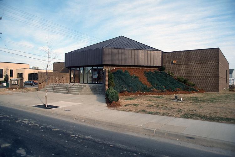1992 January ..Redevelopment.Huntersville 1&2 (R-70)..MT CARMEL BAPTIST CHURCH.FRONT EXTERIOR FROM CHURCH ST...NEG#.NRHA#..