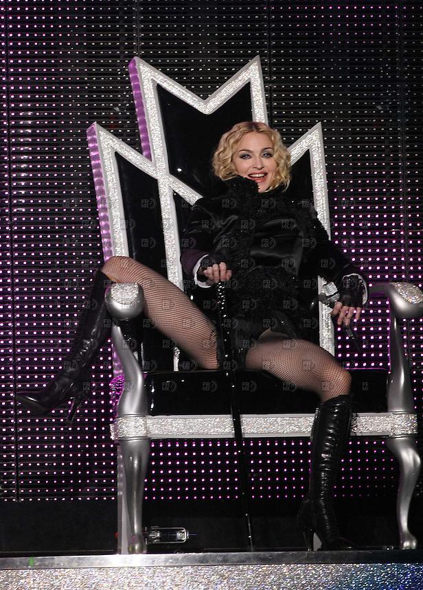 La Reina del Pop, Madonna, durante su actuación en el Foro Sol de la Ciudad de México en su gira mundial Sticky & Sweet, el 29 de Noviembre de 2008. Foto: Alejandro Meléndez
