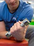 AMSTERDAM - Instructie met Joost Luiten. Voorkomen van blessures. Hij herstelt van een polsblessure .copyright KOEN SUYK