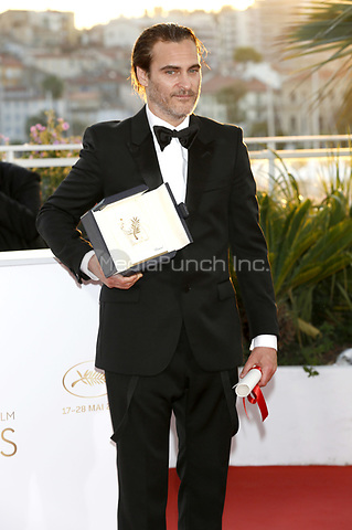 Joaquin Phoenix winner of the award for Best Actor for his part in the movie 'You Were Never Really Here' at the award winner photocall during the 70th Cannes Film Festival at the Palais des Festivals on May 28, 2017 in Cannes, France | Verwendung weltweit/picture alliance /MediaPunch ***FOR USA ONLY***