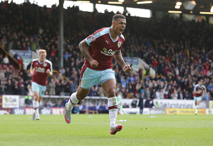 Burnley's Andre Gray celebrates scoring his sides third goal <br /> <br /> Photographer Stephen White/CameraSport<br /> <br /> Football - The Football League Sky Bet Championship - Burnley v Sheffield Wednesday - Saturday 12th September 2015 -  Turf Moor - Burnley<br /> <br /> &copy; CameraSport - 43 Linden Ave. Countesthorpe. Leicester. England. LE8 5PG - Tel: +44 (0) 116 277 4147 - admin@camerasport.com - www.camerasport.com