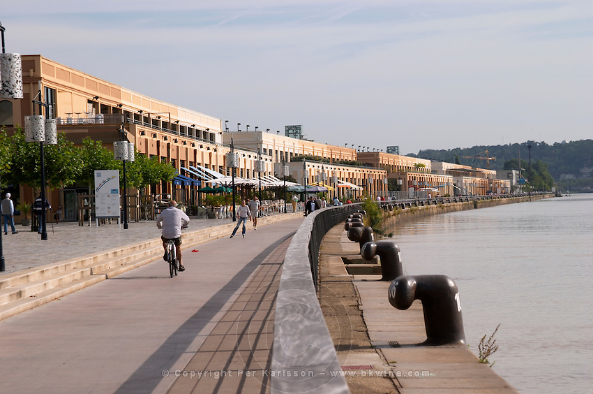 On Les Quais. Bordeaux city, Aquitaine, Gironde, France