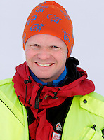 Åge Kirkestuen, redningsmann. Norwegian Air Ambulance helicopter and crew.