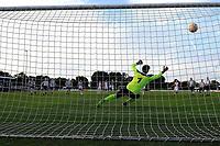 SCHOONEBEEK - Voetbal, SVV 04 - FC Emmen, voorbereiding seizoen 2018-2019, 06-07-2018,  FC Emmen speler Michael Chacon benut strafschop
