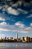 USA, New York, View of the New York City skyline and the East River from the East River State Park, Williamsburg neighborhood of Brooklyn