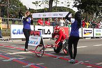 SÃO PAULO, SP - 17.05.2015 - MARATONA-SP - Jaciel Paulino, terceiro colocado na categoria cadeirante da XXI Maratona de São Paulo, que ocorre neste domingo (17), a maratona tem um percurso de 42km com sua largada e chegada no Parque do Ibirapuera, zona sul de São Paulo (Foto: Douglas Pingituro / Brazil Photo Press)