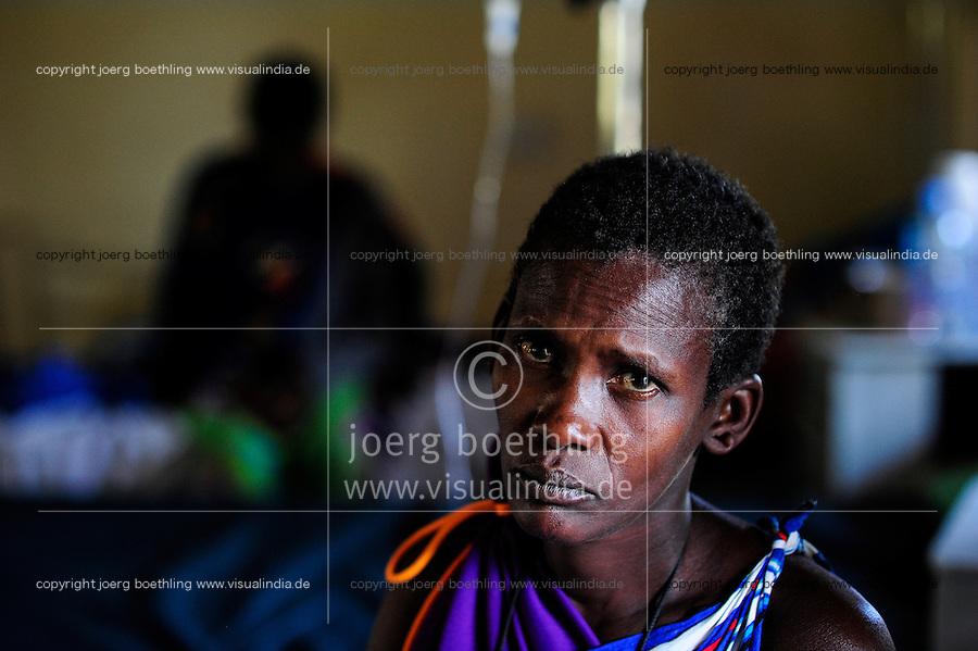 TANZANIA, Korogwe, village Kwalukonge, KWALUKONGE HEALTH CENTRE , Massai woman/ TANSANIA, Korogwe, KWALUKONGE HEALTH CENTRE, Krankenhaus der Rosminian Fathers und Usambara Sisters in Kwalukonge, Massai Frau