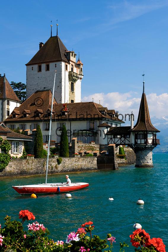 CHE, Schweiz, Kanton Bern, Berner Oberland, Oberhofen am Thunersee: Schloss Oberhofen | CHE, Switzerland, Bern Canton, Bernese Oberland, Oberhofen at Lake Thun: castle Oberhofen