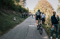 V&iacute;ctor De La Parte (ESP/Movistar) up the infamous Muro di Sormano (avg 17%/max 25%)<br /> <br /> Il Lombardia 2017<br /> Bergamo to Como (ITA) 247km