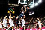 Engeland, London, 31 juli 2012.Olympische Spelen London.De supersterren uit de NBA lieten niets heel van Tunesië en zegevierden met 110-63.Kevin Durant van Team USA in actie met de bal