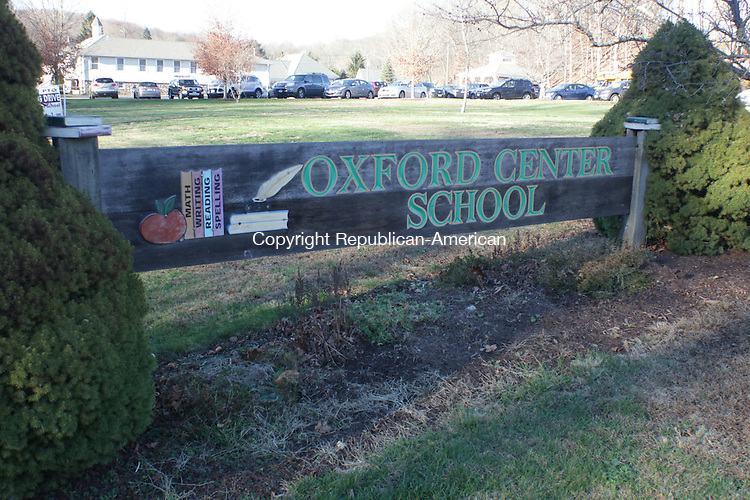 OXFORD, CT: 21 Nov. 2015: 211115CB02: OXFORD -- School leaders say the Oxford Center School should be moved to a new building and want a facility study that considers possible ways to make this happen. Caleb Bedillion Republican-American