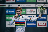 Remco Evenepoel (BEL) is the new World Champion<br /> <br /> MEN JUNIOR ROAD RACE<br /> Kufstein to Innsbruck: 132.4 km<br /> <br /> UCI 2018 Road World Championships<br /> Innsbruck - Tirol / Austria