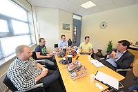 SCHAATSEN: HEERENVEEN: 06-06-2013, IJSSTADION THIALF, actiegroep thialf-moetblijven.nl te gast in Thialf, v.l.n.r. Hedser Kok, Bas Altena, Peter van Gool, Remco Folkerts, Thialf directeur Eelco Derks, ©foto Martin de Jong