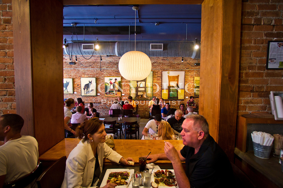 Brunch bustles at Café Zola, Friday, Sept. 2, 2011 in Ann Arbor, Mich. (Tony Ding for The New York Times)