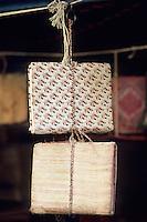 Asie/Inde/Rajasthan/Udaipur: Marché Bara Bazar - Détail cahiers et carnets artisanaux utilisés pour la comptabilité