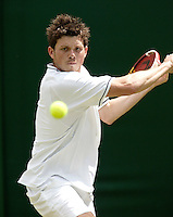 28-6-06,England, London, Wimbledon, first round match, Joshua Goodall