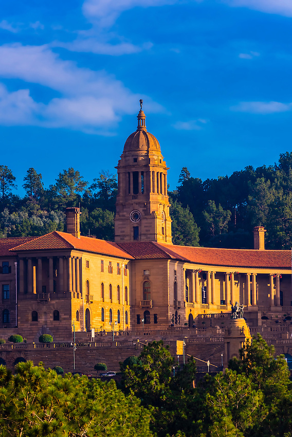 The Union Buildings form the official seat of the South African government and also house the offices of the president of South Africa. Pretoria (Tshwane), South Africa.