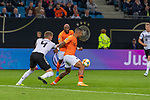 06.09.2019, Volksparkstadion, HAMBURG, GER, EMQ, Deutschland (GER) vs Niederlande (NED)<br /> <br /> DFB REGULATIONS PROHIBIT ANY USE OF PHOTOGRAPHS AS IMAGE SEQUENCES AND/OR QUASI-VIDEO.<br /> <br /> im Bild / picture shows<br /> <br /> Matthias Ginter (Deutschland / GER #04)<br /> Memphis DEPAY (Niederlande / NED #10)<br /> <br /> während EM Qualifikations-Spiel Deutschland gegen Niederlande  in Hamburg am 07.09.2019, <br /> <br /> Foto © nordphoto / Kokenge