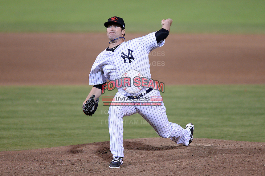 Scottsdale Scorpions pitcher Fred Lewis (35), of the New York Yankees organization, during an Arizona Fall League game against the Salt River Rafters on October 9, 2013 at Scottsdale Stadium in Scottsdale, Arizona.  Salt River defeated Scottsdale 12-2.  (Mike Janes/Four Seam Images)