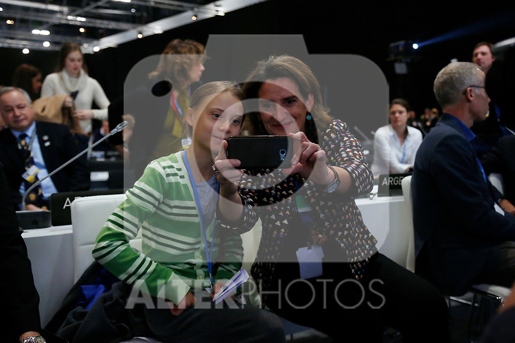 Teresa Ribera, minister of environment of Spain, takes a selfie with Greta Thunberg durin the nineth day oif COP25 Chile-Madrid at IFEMA Madrid on 11 Dec 2019.(ALTERPHOTOS/Manu R.B.)
