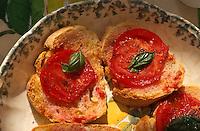 Italien, Toskana, Asciano, belegte Brote