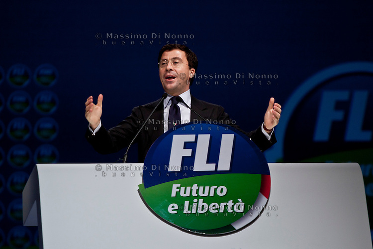 Milano: Italo Bocchino durante l'assemblea costituente di Futuro e Libertà...Milan:  Italo Bocchino speaks at Assembly of Futuro e Libertà (Future and Freedom party).The Future and Freedom is a centre-right political party formed by Gianfranco Fini