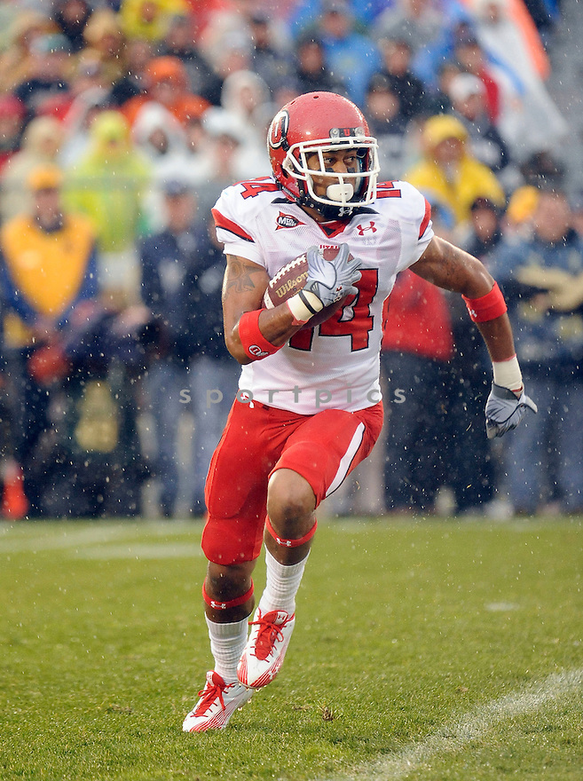 REGGIE DUNN, of theUtah Utes, in action during the Utah game against the Notre Dame Fighting Irish on November 13, 2010 at Notre Dame Stadium in South Bend, Indiana. ..Notre Dame beat Utah 28-3...SportPics