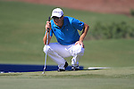 Fredrik Andersson Hed lines up his putt on the 5th green during Day 1 of the Dubai World Championship, Earth Course, Jumeirah Golf Estates, Dubai, 25th November 2010..(Picture Eoin Clarke/www.golffile.ie)