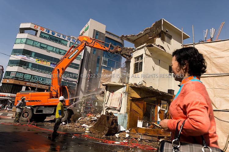 9/5/2013--Busan, South Korea<br /> <br /> An old home is torn down in the Haeundae Beach area of Busan (Pusan).<br /> <br /> Photograph by Stuart Isett