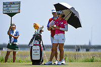 Minjee Lee (AUS) attempts to stay cool on the tee on 8 during round 1 of the 2019 US Women's Open, Charleston Country Club, Charleston, South Carolina,  USA. 5/30/2019.<br /> Picture: Golffile | Ken Murray<br /> <br /> All photo usage must carry mandatory copyright credit (© Golffile | Ken Murray)