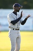 2007:  Darnell Coles of the Vermont Lake Monsters, Class-A affiliate of the Washington Nationals, during the New York-Penn League baseball season.  Photo by Mike Janes/Four Seam Images