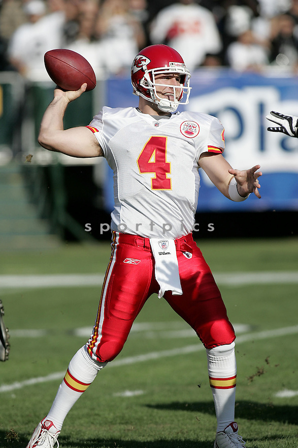 TYLER THIGPEN, of the Kansas CIty Chiefs in action against the Oakland Raiders during the Chiefs game  in Oakland, California  on November 30, 2008..Chiefs  win 20-13