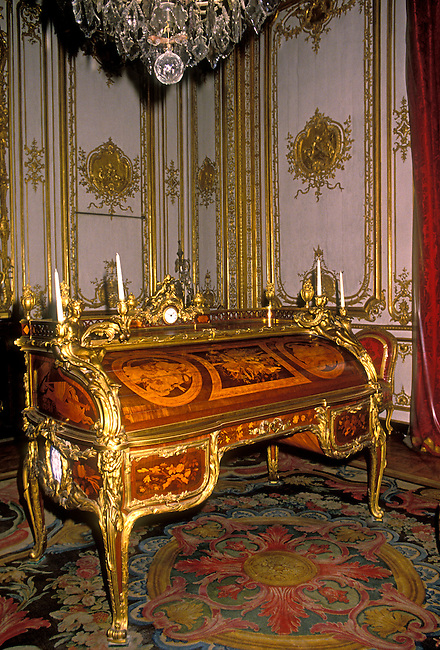 Rolltop desk for King Louis XV, Palace of Versailles, city of Versailles, Ile de France region, France, Europe